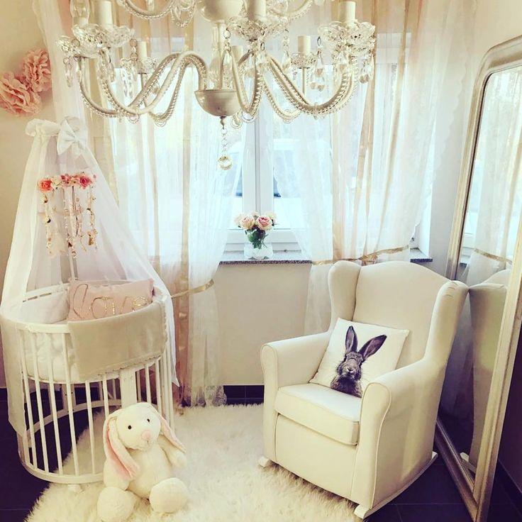 Spectacular Einer unserer Stillsessel hat seinen Platz in diesem bezaubernden Babyzimmer gefunden Instagram calimero