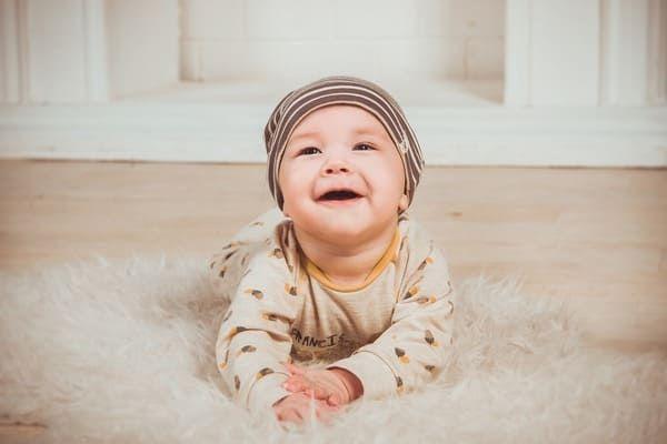 تفسير حلم ولادة البنت للمتزوجة والحامل Unique Baby Boy Names Baby Boy Names Baby Activity Center