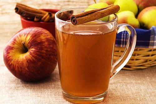 Горячий яблочный пряный сидр