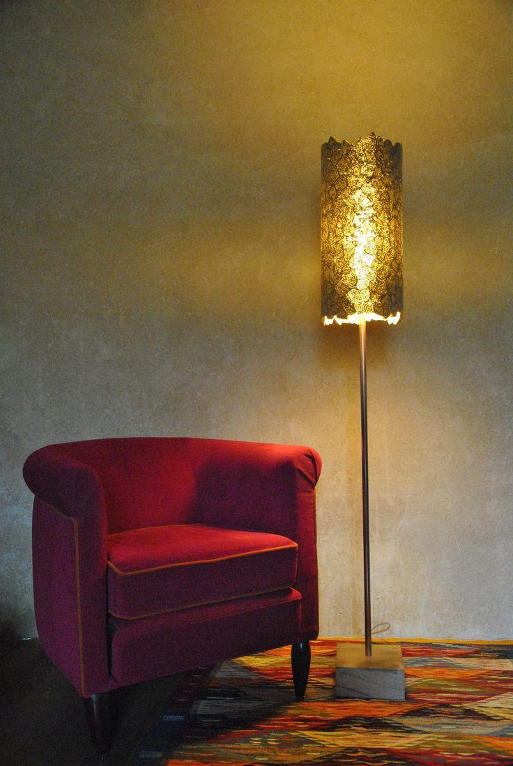 luminaire 0277 lampe sur pied abat jour r alis en dentelle de. Black Bedroom Furniture Sets. Home Design Ideas