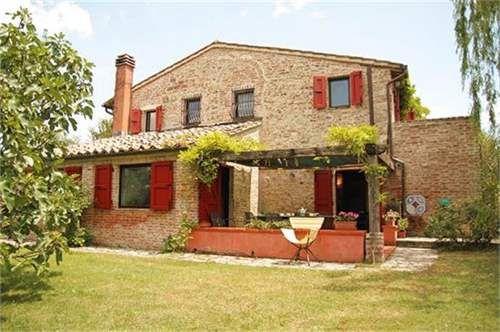 "Cpge1762-""Il Casale Delle Vigne"" Restored Farmhouse For Sale In (MD2375271) -  #Farm for Sale in Siena, Toscana, Italy - #Siena, #Toscana, #Italy. More Properties on www.mondinion.com."