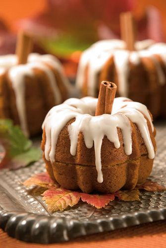 Bundt pumpkins example - I like this size and shape better than the taller ones