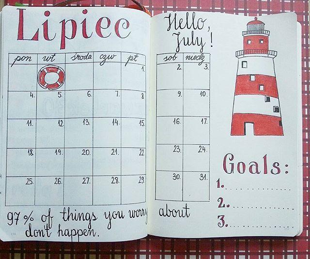 July at a glance in my Bullet Journal l. I'm not doing this month any challenges, trackers, nope! Vacation! #bulletjournal #bulletjournaljunkies #bujo #bujolove #plannercommunity #planneraddict #planner #planowanie #bulletjournalpolska #leuchtturm #lipiec #wakacje #vacation #summer #summertime #redandwhite