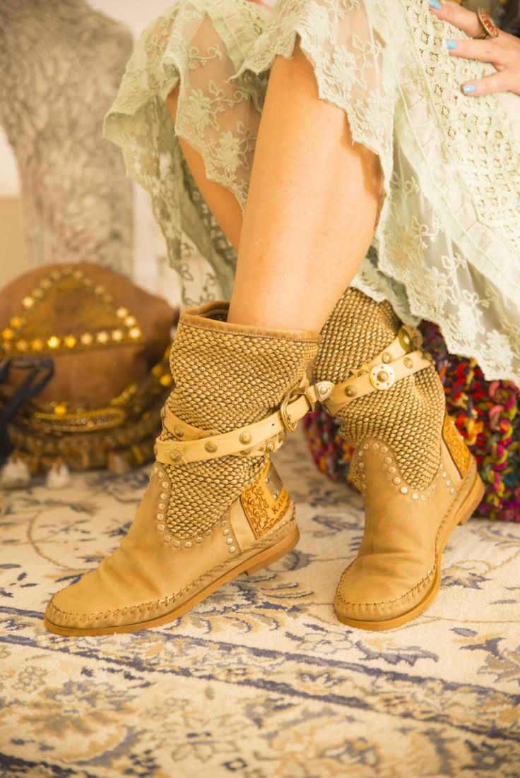 Karma of Charme is synonymous for Wild Chic Life! With a beautiful collection of native American boho boots, bags and accessories!