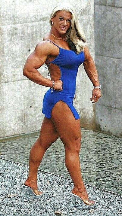 Kris Murrell female bodybuilder