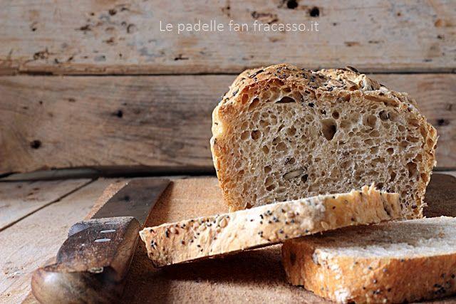 150 g di scarti di lievito madre 200 g di acqua 300 g di farina 1 Molino Orsili sale un pizzico due cucchiai colmi di semi di zucca tre cucchiai colmi di cereali misti
