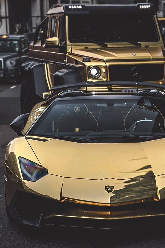 Luxurious Life-style : Wow! Billionaire gold plated supercars. When regular luxurious ca…