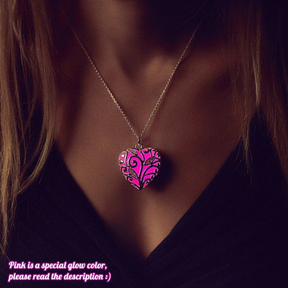 Pink Glowing Necklace - Wife Gift - Heart Necklace - Valentine's Day - Glow in the Dark - Pink Necklace - Gifts for Her - Glowing Jewelry