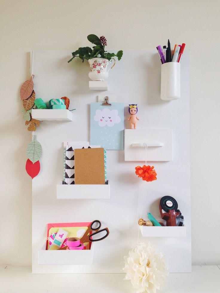 Make you own 'Uten Silo' http://www.wonderlicht.com/creatief/d-i-y-wandhangding/