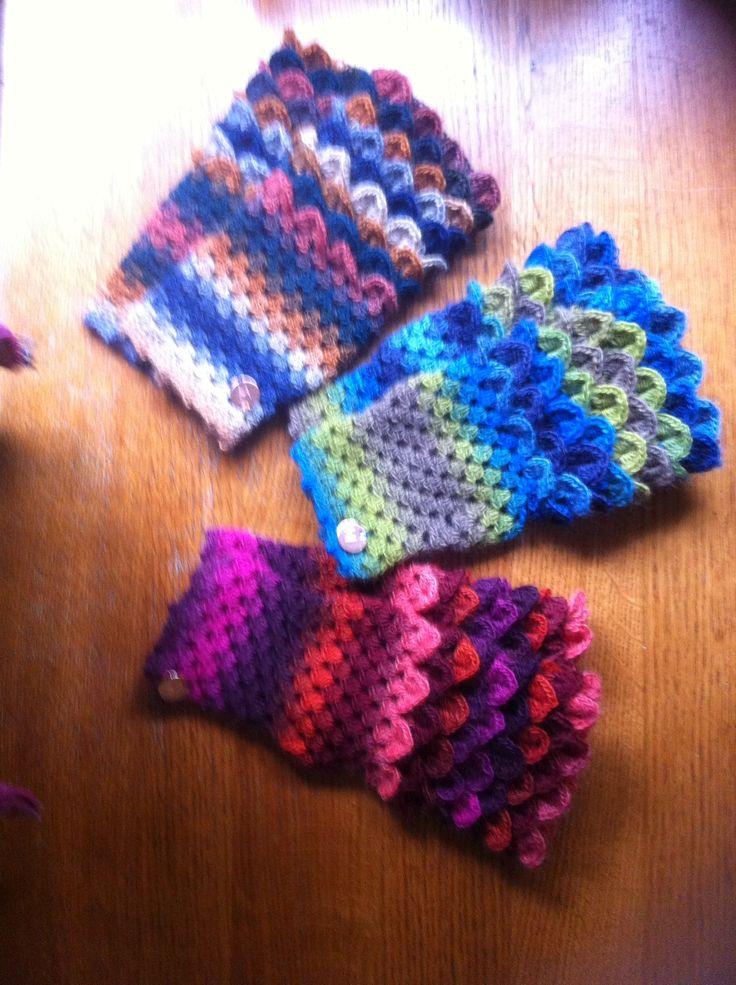 Fingerless glove....  Crochet with a dragon stich
