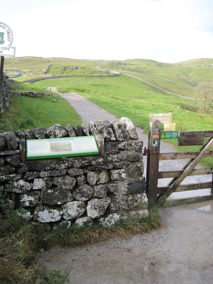 Path to Malham Cove, Yorkshire Dales