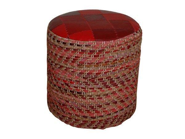 Rød puff i jute med innvevde skinnelementer og skinnsete