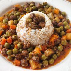 Sebzeli Minik Köftecikler- Meatball w/ peas, carrot, potatoes, shallot & pilaf