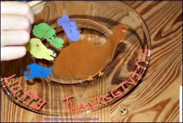 hoopla palooza: thanksgiving turkey handprint plates