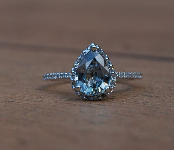 blue sapphire pear shape diamond ring- loving the pear shape