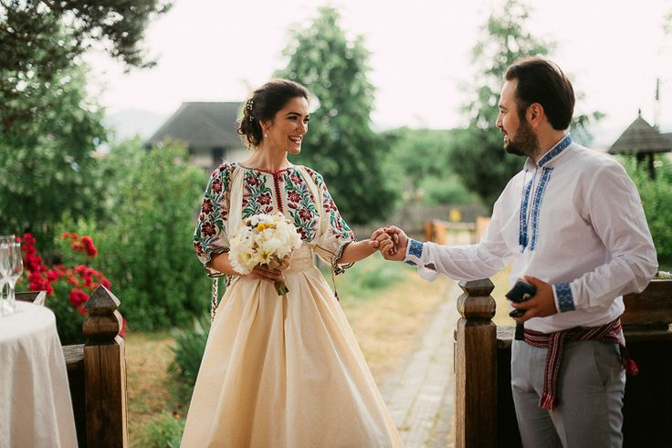 Such a beautiful wedding! Love the effortless traditional look. The venue and photography if beautiful.  Iulia-Andrei-traditional romanian wedding