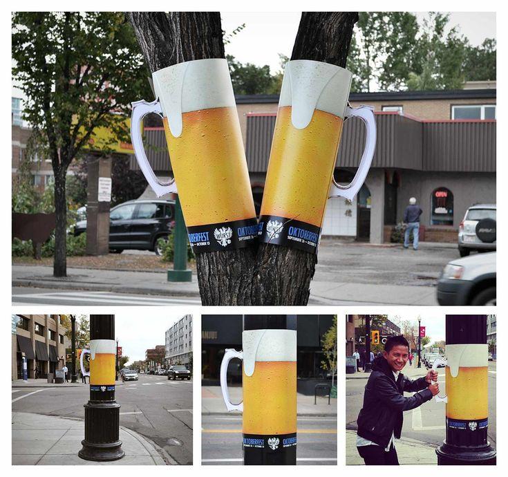 Para promover el restaurante canadiense WURST, con sede en Alemania, con motivo del Oktoberfest, la agencia WAX diseño unos divertidos y creativos anuncios, enrollando posters alrededor de árboles y postes que simulan un tarro de cerveza, por toda la ciudad.