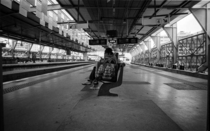 À espera do comboio para a Oficina da TOSCA ;) Últimas vagas! #workshop #estenopeica #pinhole #fotografia #camarafotografica #imagerie #5dcreativehub