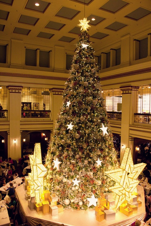 Christmas At Macy S Chicago IL Although I Spent More Time There When It W
