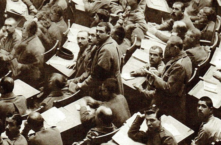 The February Revolution in Russia (1917): Soldiers and workmen in possession of the Duma – OLD IMAGINERY