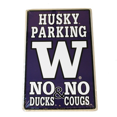 Husky parking only. No duck fans and definitely NO COUGAR FANS AT ALL! Sorry but that's the way It has to be