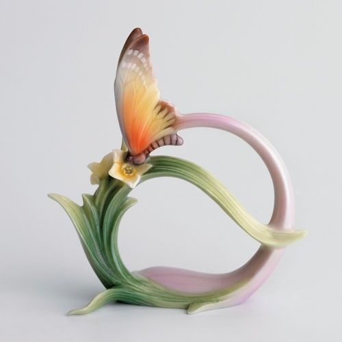 FZ00230-Franz-Porcelain-butterfly-papillon-napkin-ring-new-Rare-Exclusive