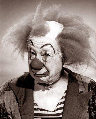 Bert Lahr. Vaudeville star, burlesque man, film and tv star, and one sad, scary clown...