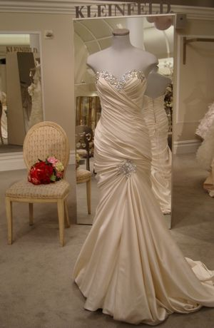 Pnina Tornai Sweetheart Mermaid Wedding Dress with No Waist/Princess Seams in Satin. Bridal Gown Style Number:31909351