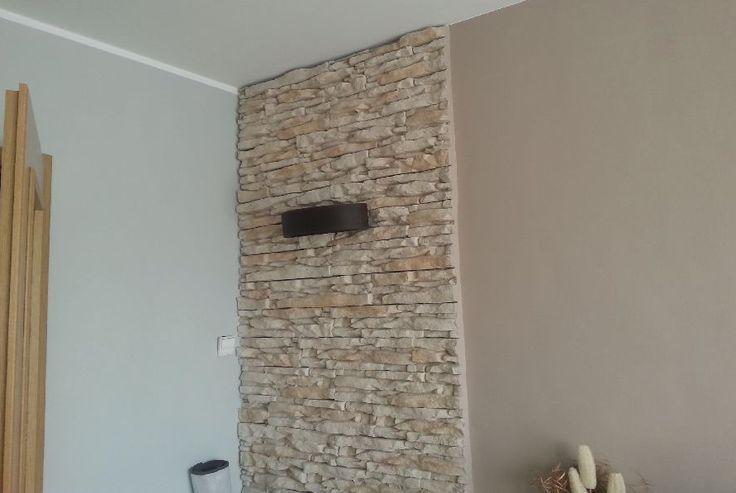 Znalezione obrazy dla zapytania ściana z kamienia z kominkiem