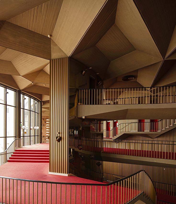 Teatro-Regio-Turin-Italy-Opera-House-Design-11.jpg (1000×1156)