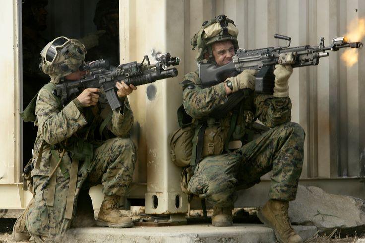 Marines in Combat | States Marines with 3rd Battalion, 5th Marine Regiment, 31st Marine ...