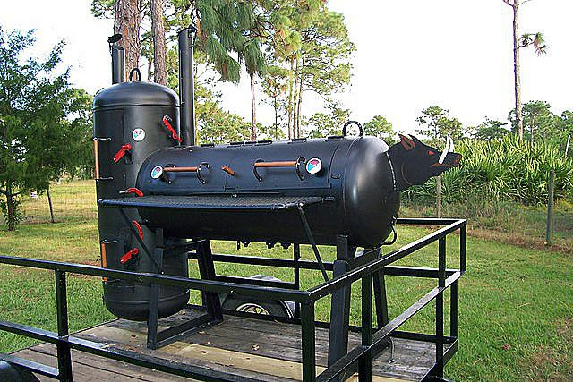 wild pig smoker by t cone made from two 120 gallon propane tanks mike projects pinterest. Black Bedroom Furniture Sets. Home Design Ideas