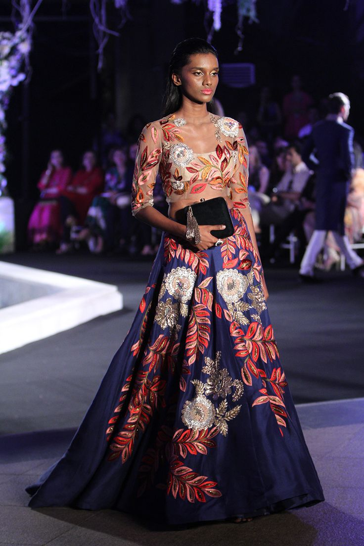 Scarlet Bindi - South Asian Fashion and Travel Blog by Neha Oberoi: Lakme Fashion Week Winter/Festive 2016: Manish Malhotra
