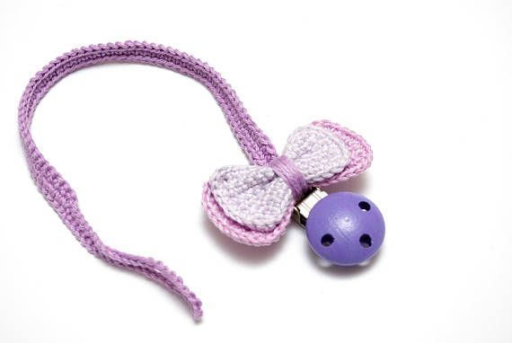 crochet pacifier teething clip made by #RedOgeeSheep #sensorytoy #montessoritoy #newborntoy #mommyandme