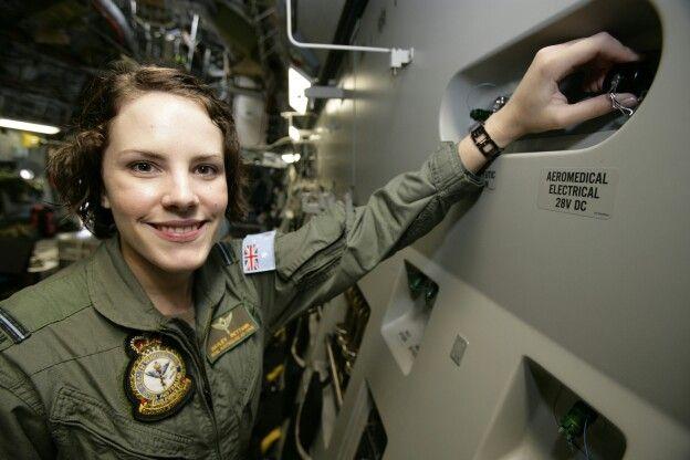 how to become a c 17 pilot raaf