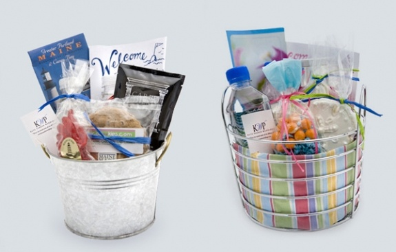 Gifts For Out Of Town Wedding Guests: Out Of Town Welcome Bags & Baskets