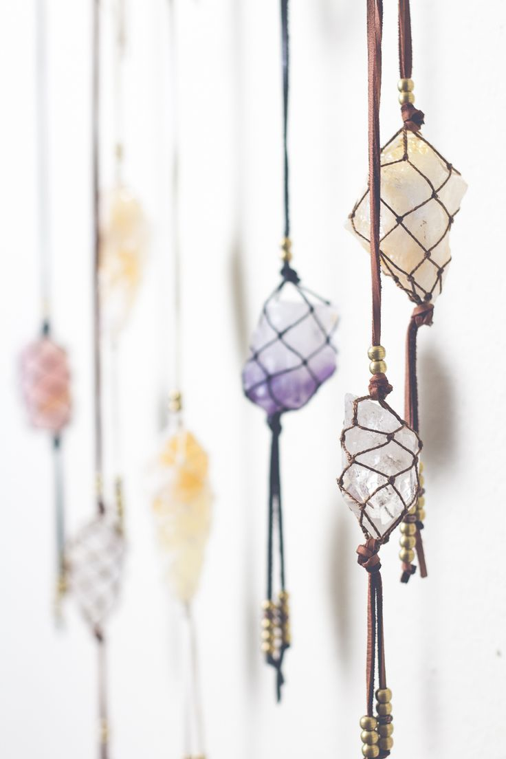 Hanging crystals in macrame