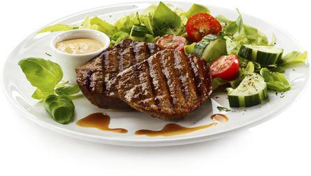 Viva la ciccia, il paradiso dei carnivori. Nel cuore di Brescia, a pochi passi da piazza Loggia, ristorante specializzato in carne alla brace.