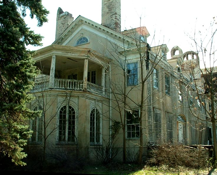 Incredible old mansion, unbelievably beautiful!! now doomed in Goshen, NY.