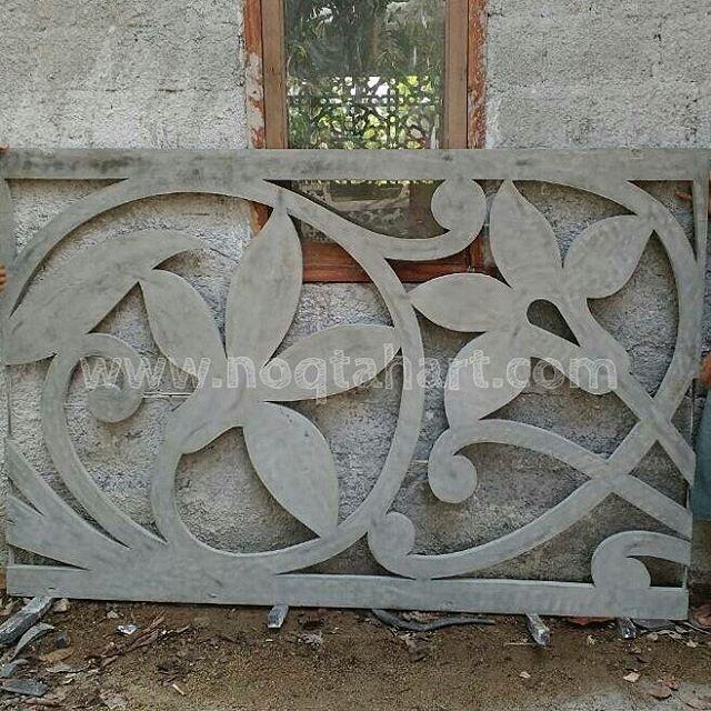 Ornamen GRC krawangan dengan pola bunga Seni islamis