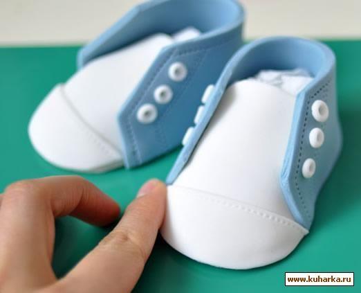 chaussure bébé (pâte a sucre)