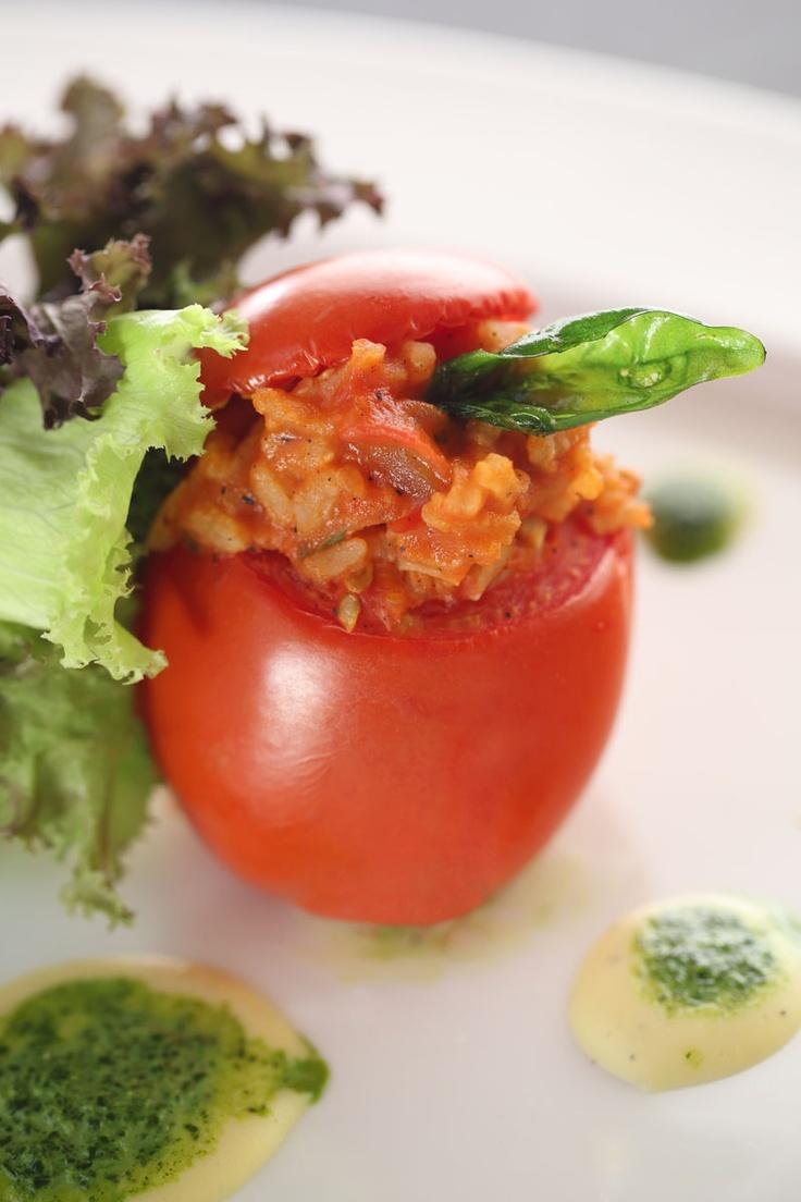 Pomodori con riso con fonduta di formaggio  #food #cuisine #italian #Kuta