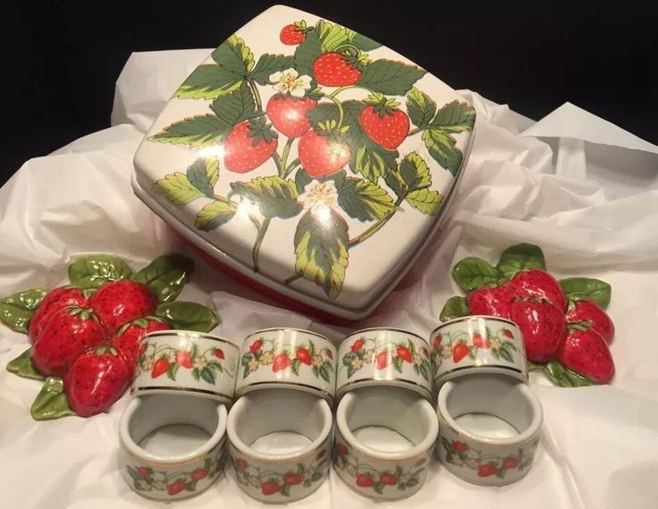 741 best images about red on pinterest - Strawberry kitchen decorations ...