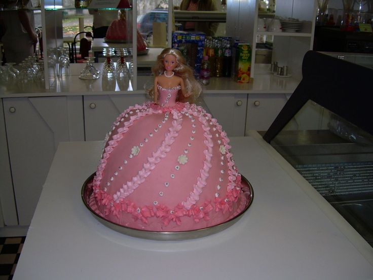 """barbie torta"