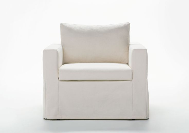 Dafne Armchair Bed | Shop on-line or in one of our showrooms, our furniture consultants are ready to assist you.