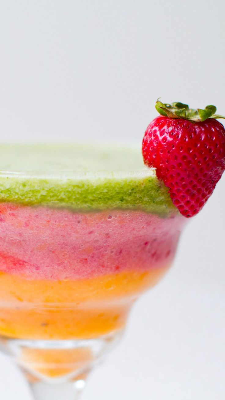 A Week of Delish Breakfast Smoothies—All Under 250 Calories  - Redbook.com