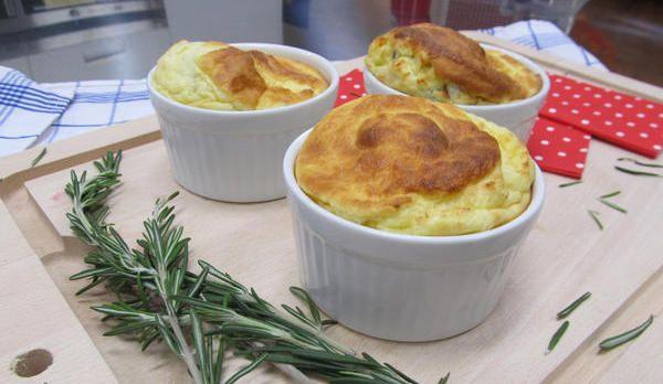 Enie backt: Käse-Soufflé