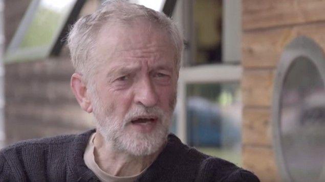 Candidato a líder del Partido Laborista, Jeremy Corbyn - Jeremy Corbyn, un parlamentario británico de izquierda camino de convertirse en el jefe del opositor Partido Laborista, está siendo objeto de un creciente escrutinio dados sus aparentes vínculos con figuras con opiniones antisemitas y anti-israelíes, incluidos teóricos de la conspiración del 11/9 que culpan a los judíos de los ataques.
