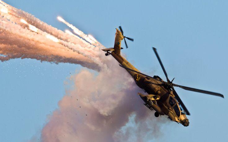 uçak, askeri uçaklar, helikopterler, boeing apache ah-64d, ah-64 apache, ah-64 apache, uçan, duman, mavi gökyüzü boeing