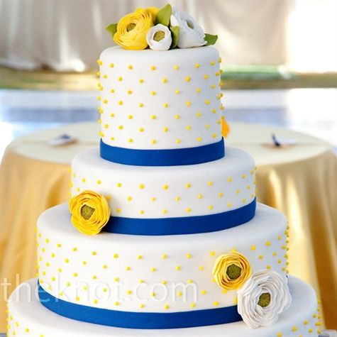 Cute for a summery wedding!  (Maybe light yellow instead and add on blue hydrangeas too?)